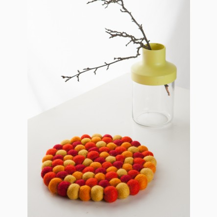 myfelt round Pot Trivet made of orange and red felt balls, Ø 20 cm